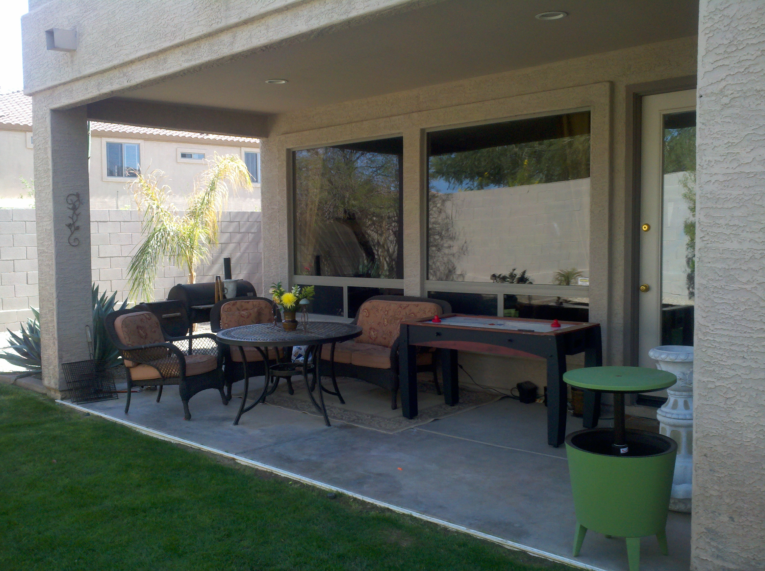 An Easy & Pleasing Patio Makeover - ManagedMoms.com on Outdoor Patio Makeover id=24676
