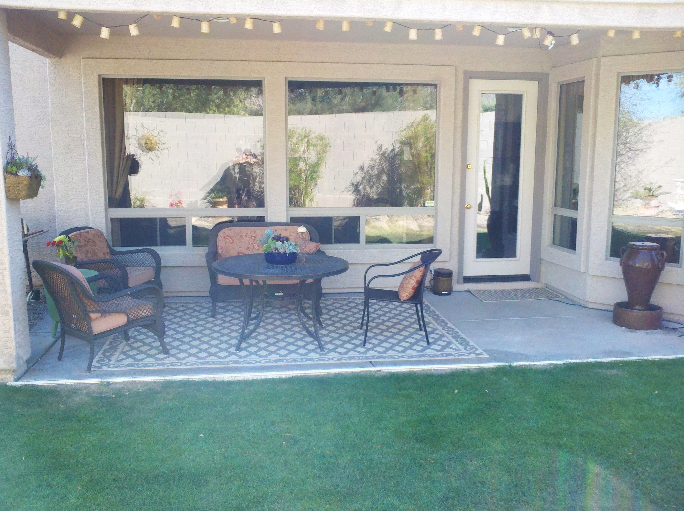 An Easy & Pleasing Patio Makeover - ManagedMoms.com on Outdoor Patio Makeover id=77546