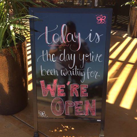 open sign lr