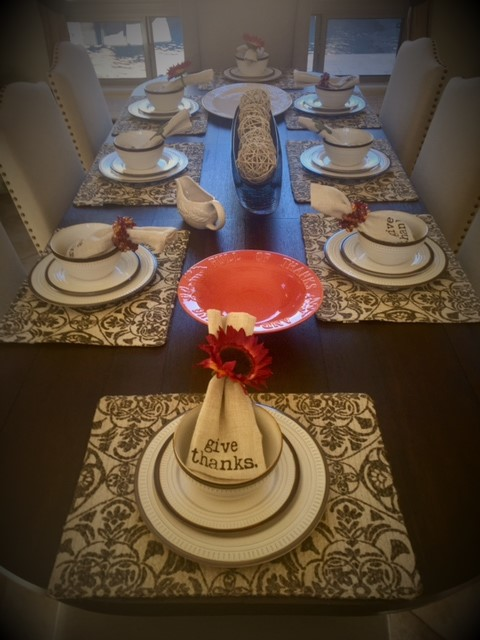 table-set-napkin